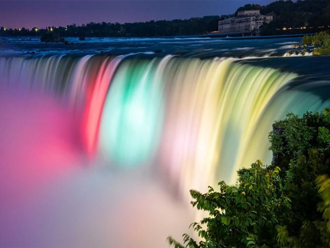 Каждый хочет посетить Ниагарский водопад